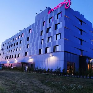 Zdjęcia hotelu MOXY przy lotnisku w Pyrzowicach-elewacja tylna
