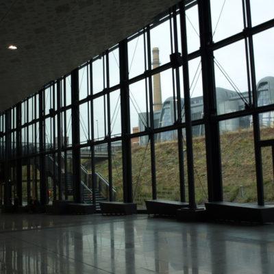 Zdjęcie fasad aluminiowo-szklanych dworca PKP Łódź Fabryczna