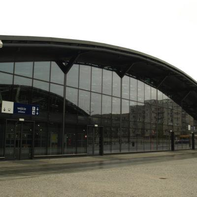 Fasada aluminiowo-szklana - Dworzec Łódź fabryczna