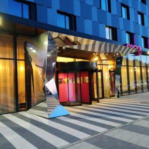 Zdjęcia hotelu MOXY przy lotnisku w Pyrzowicach-wejście